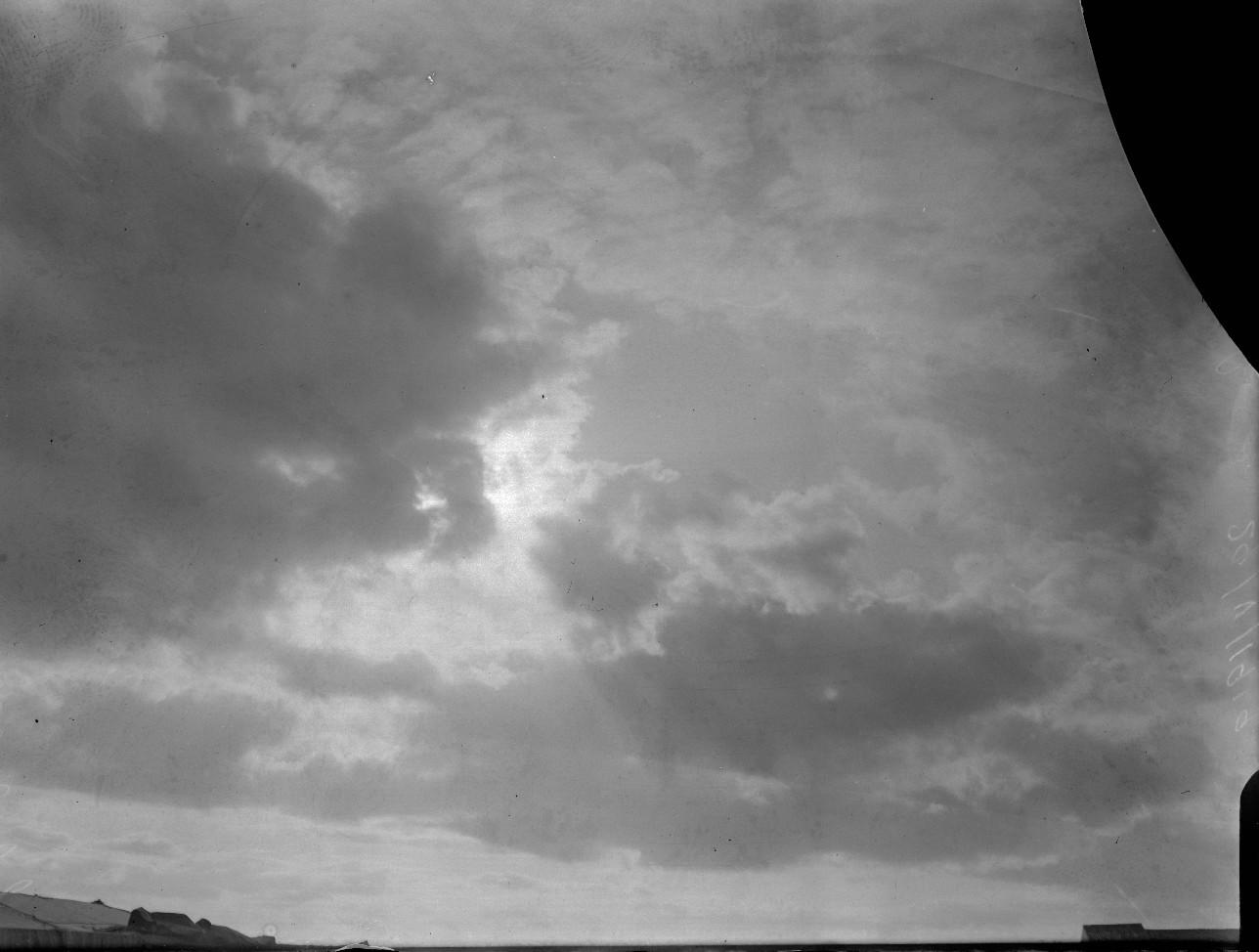 Detalhe do céu com nuvens antes do início do eclipse (Foto: Divulgação/ Observatório Nacional)