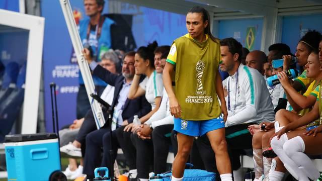Marta acompanhou o jogo do banco de reservas