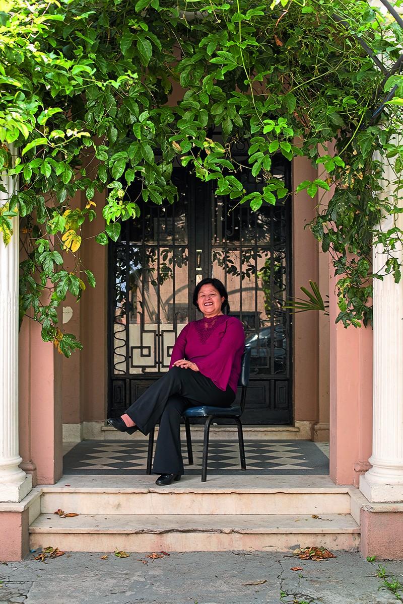 """""""Criei as Rodas de Conversa, encontros semanais onde as mulheres compartilham suas histórias, suas dificuldades, seus medos, ao mesmo tempo em que as incentivamos a desenvolver a autonomia financeira e o empreendedorismo, junto à estrutura do CAMI"""", conta (Foto: Marcus Steinmeyer)"""