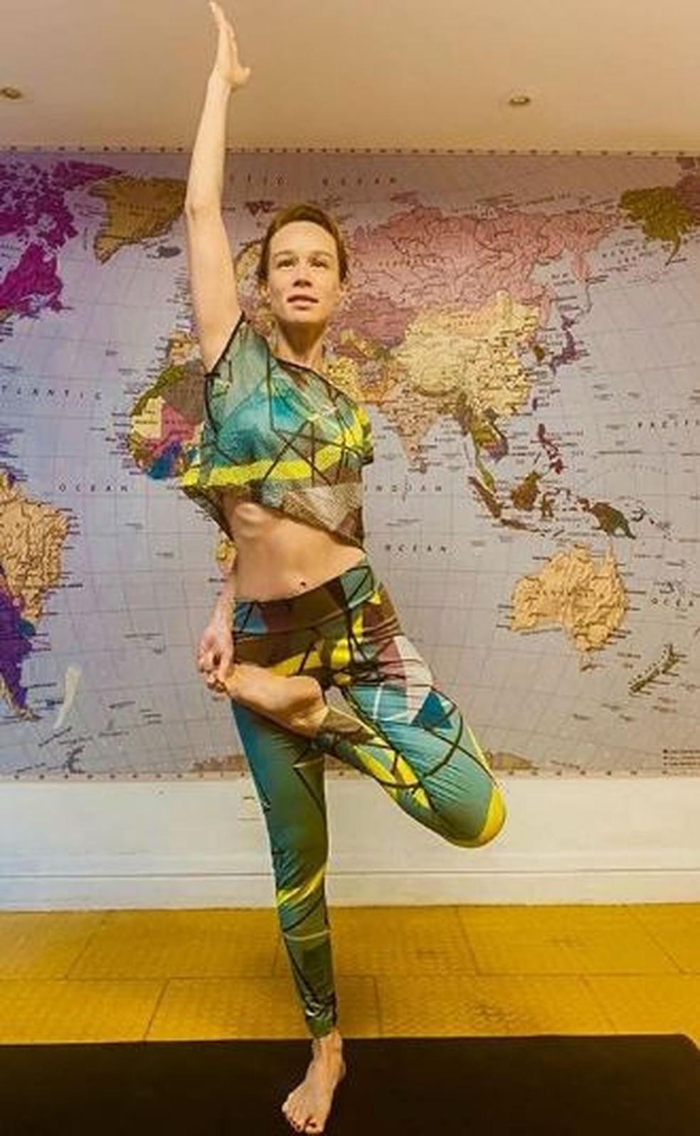 Mariana Ximenes faz yoga — Foto: Reprodução