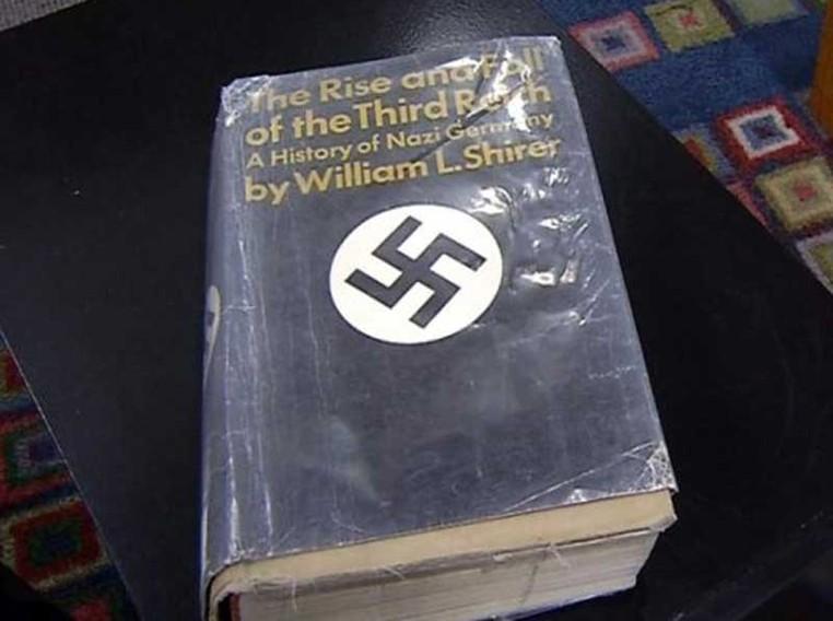 Livro foi devolvido com 42 anos de atraso nos EUA (Foto: Guilderland Public Library Central Library)