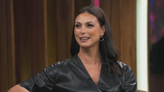 Morena Baccarin, estrela brasileira de 'Deadpool', é casada com galã hollywoodiano e está grávida do 3º filho