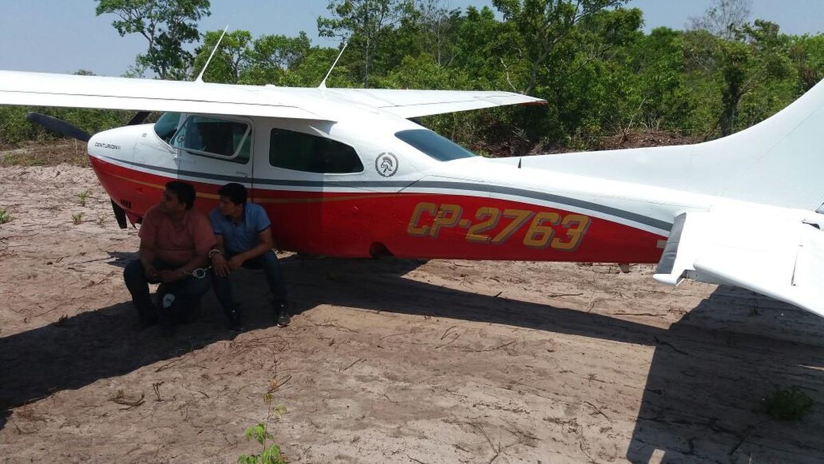 Bolivianos são presos ao pousarem avião com 480 kg de cocaína em fazenda em MT