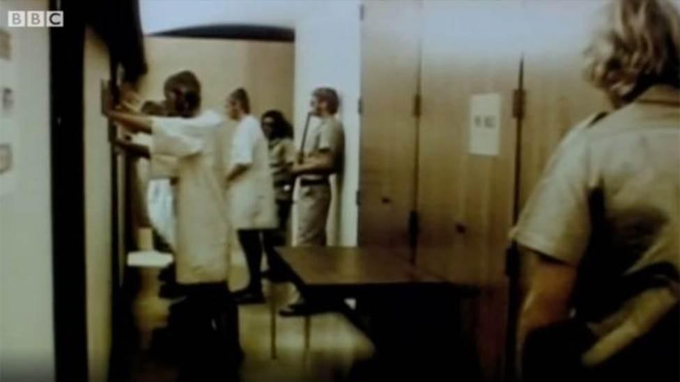 O controverso 'Experimento de Aprisionamento de Stanford', interrompido após sair do controle
