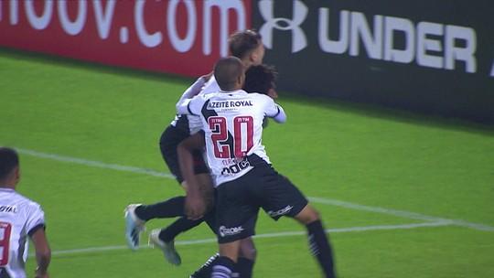 """Campello ataca agentes de Talles e diz confiar em permanência de joia no Vasco: """"É a expectativa"""""""