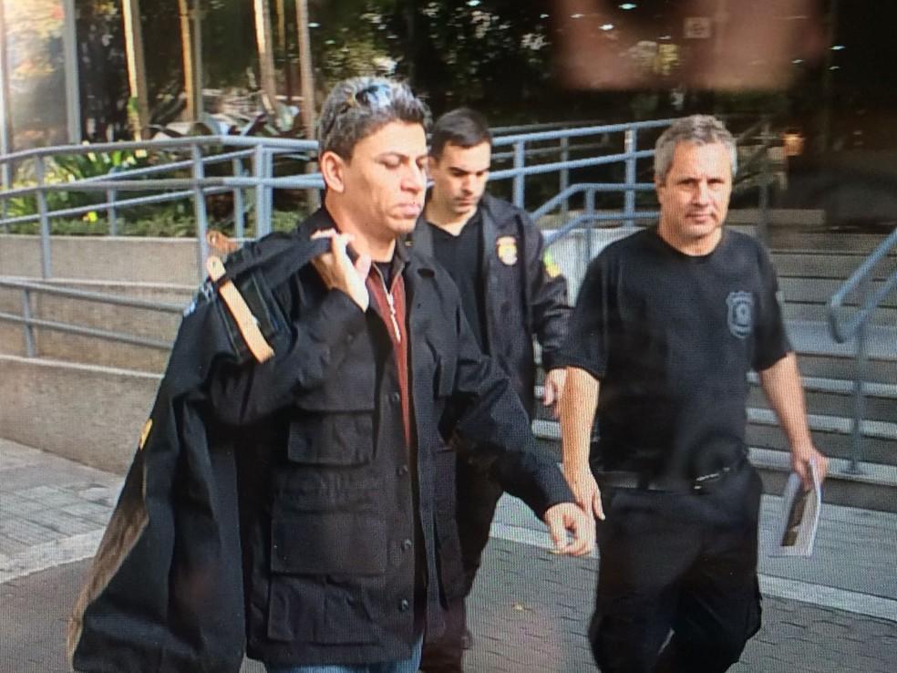 PF faz operação prender 15 pessoas suspeitas de desvio de dinheiro em obras do Rodoanel (Foto: Abraão Cruz/TV Globo)