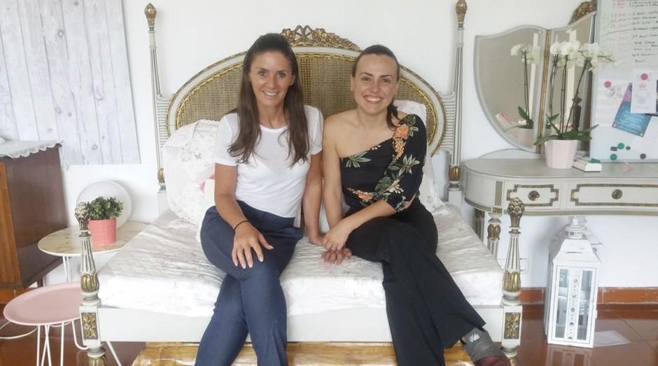 União. A brasileira Liliani (D), com a sócia portuguesa Paula Mendes: mais eventos infantis  (Foto: Estadão Conteúdo)