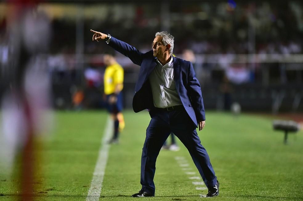 Reinaldo Rueda é aguardado no Flamengo (Foto: Marcos Ribolli)