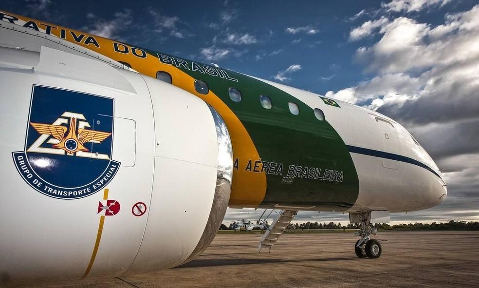 Um dos aviões da Embraer que transportam autoridades e ajudam em comitivas — Foto: AGÊNCIA FAB/SGT JOHNSON