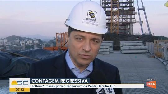 Governador de SC reafirma data de entrega da Ponte Hercílio Luz e defende uso para transporte coletivo