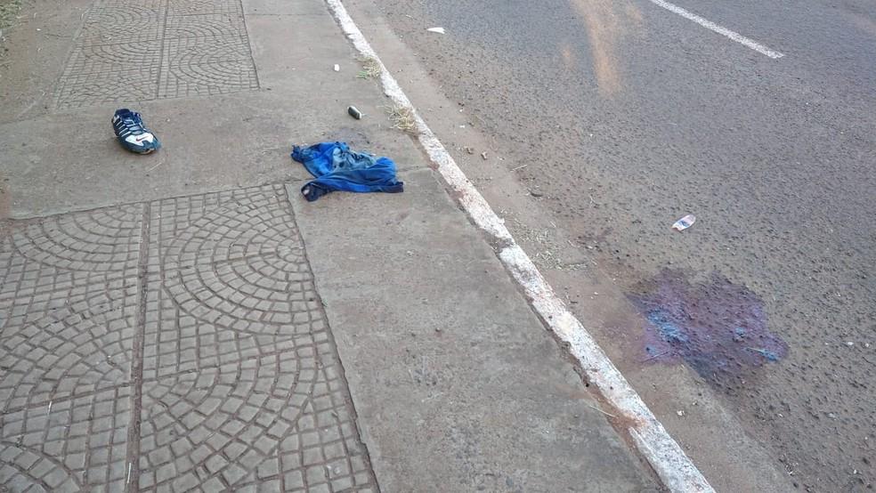 Passageira morre ao ser arrastada por 40 metros depois de condutor perder controle de moto na Capital   Foto: Sérgio Saturnino/TV Morena