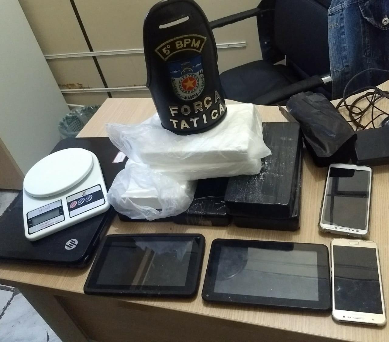 Homem é preso com 7 kg de cocaína no Bendito Bentes, em Maceió - Notícias - Plantão Diário