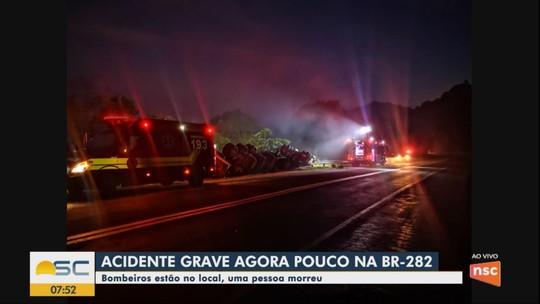 Motorista de caminhão morre após tombamento na BR-282 no Oeste de SC