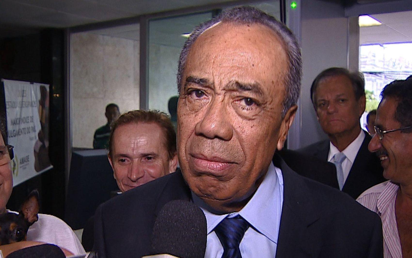 Ex-governador de Sergipe, João Alves Filho, será homenageado na capital sergipana