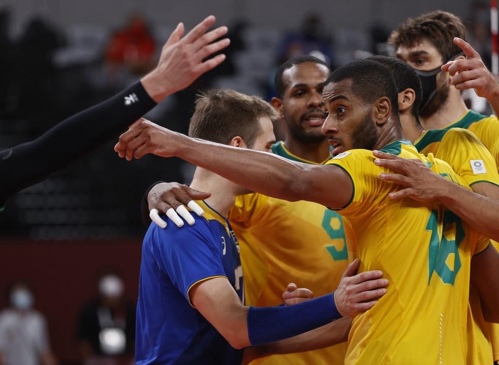 Brasil comemora a virória contra a França — Foto: REUTERS/Valentyn Ogirenko
