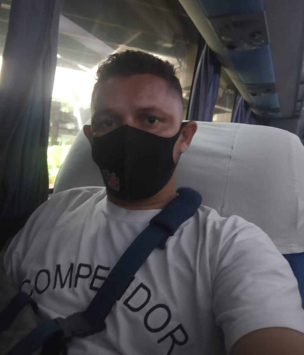 Wollace Aguiar em mais uma missão de ônibus pelo Brasil — Foto: Arquivo Pessoal
