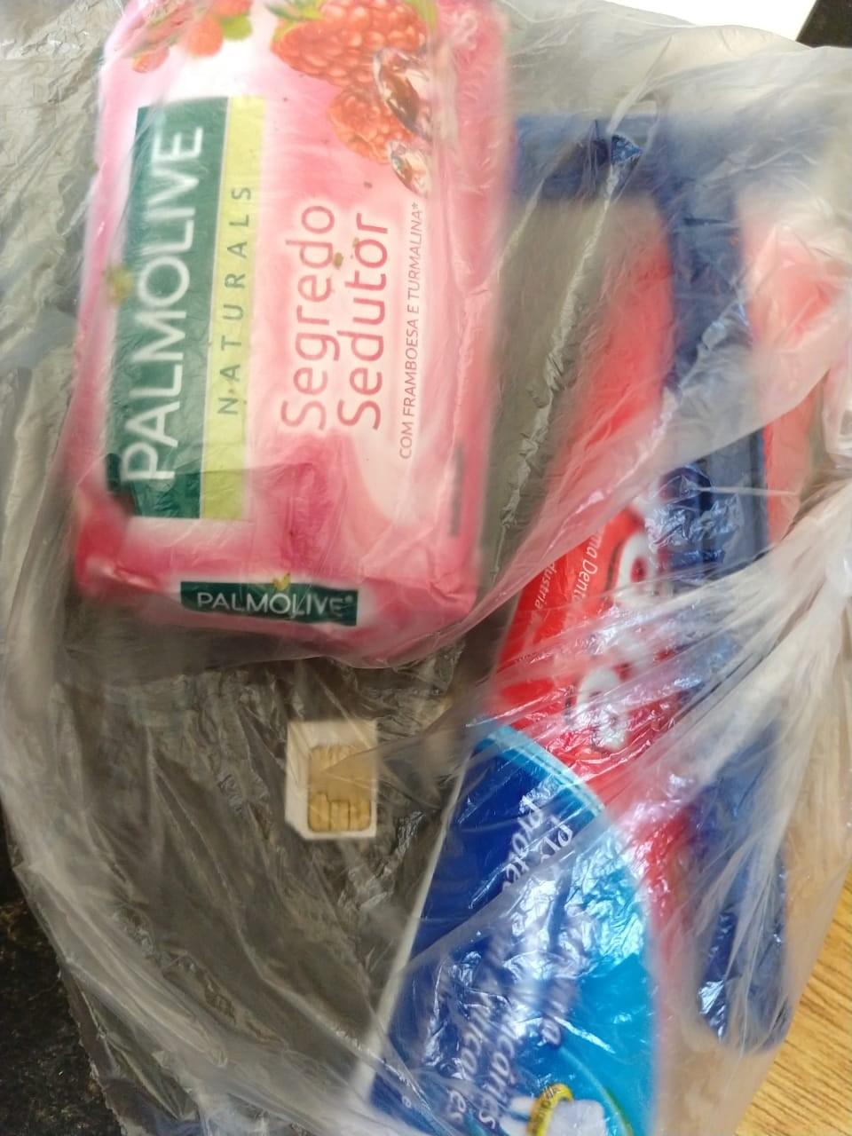 Duas mulheres são flagradas com droga e chip de celular durante visitas a presídios da região - Noticias