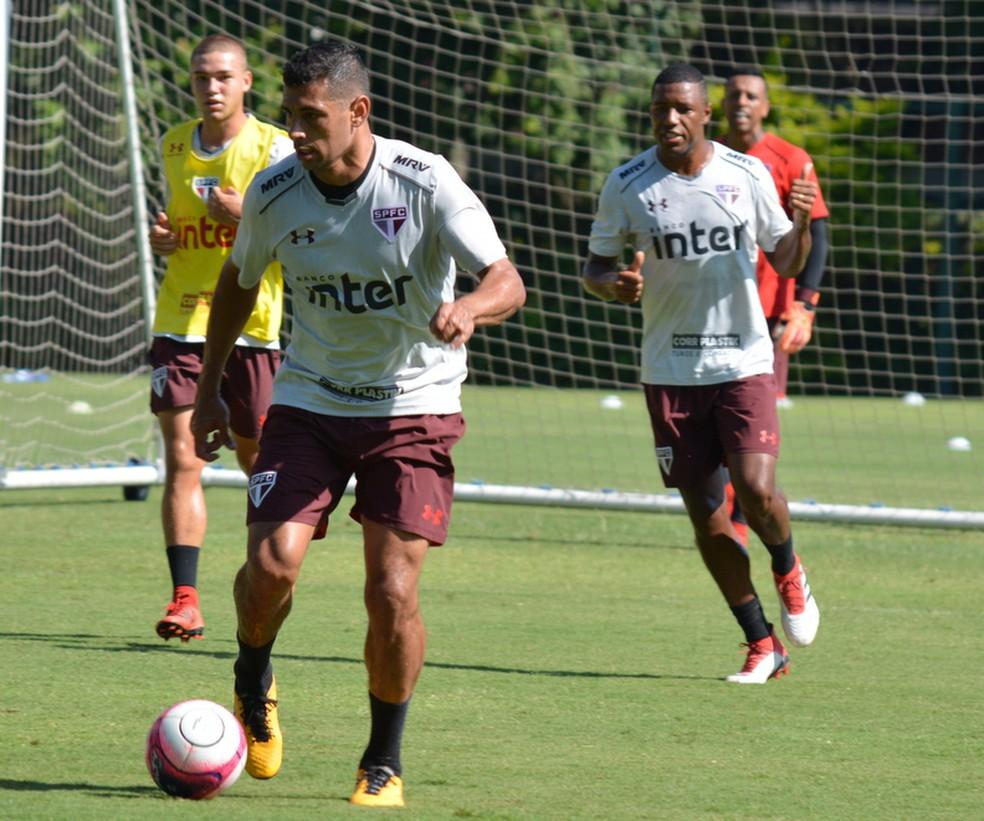Diego Souza treina no São Paulo (Foto:  Érico Leonan / saopaulofc.net)