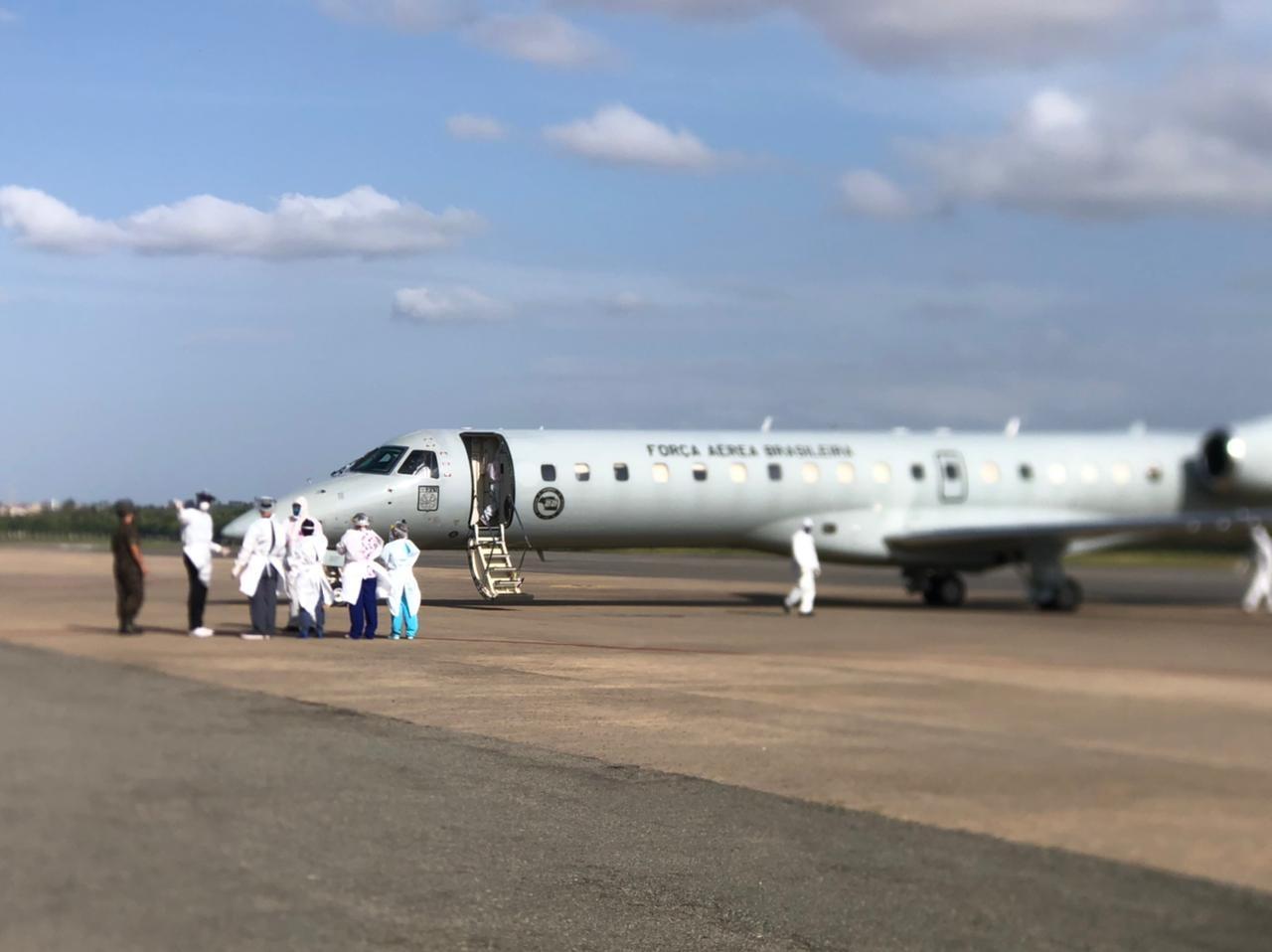 Mais 11 pacientes transferidos de Manaus chegam a São Luís