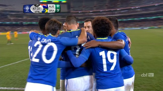 """Tite cita frase de David Luiz na oração e jogador diz: """"Veio do meu coração"""""""