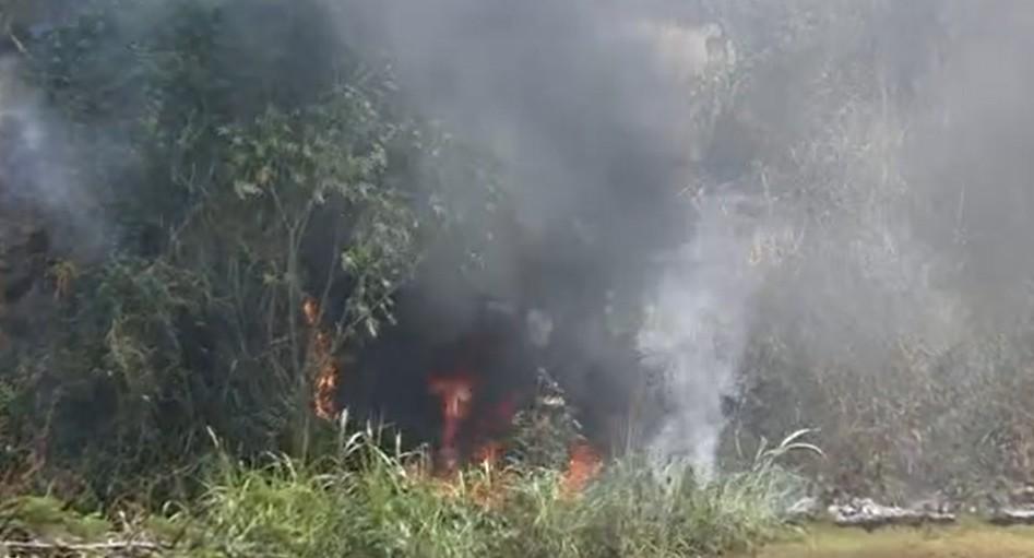 VÍDEO: Incêndio atinge área de vegetação no bairro do Cabula, em Salvador