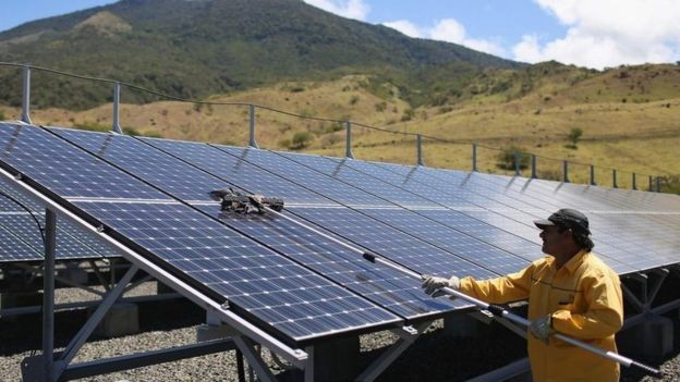 energia solar - No ano passado, 98% da eletricidade da Costa Rica veio de fontes de energia renováveis (Foto: Getty Images via BBC News)