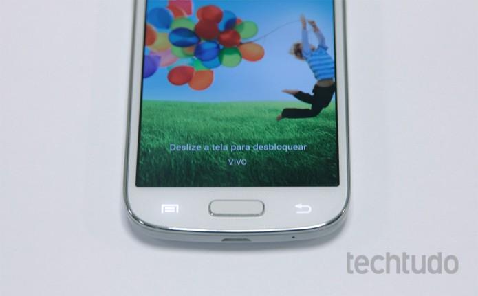 Galaxy S4 Mini tem processador dual-core e 1,5 GB de memória RAM (Foto: Bárbara Mannara/TechTudo)