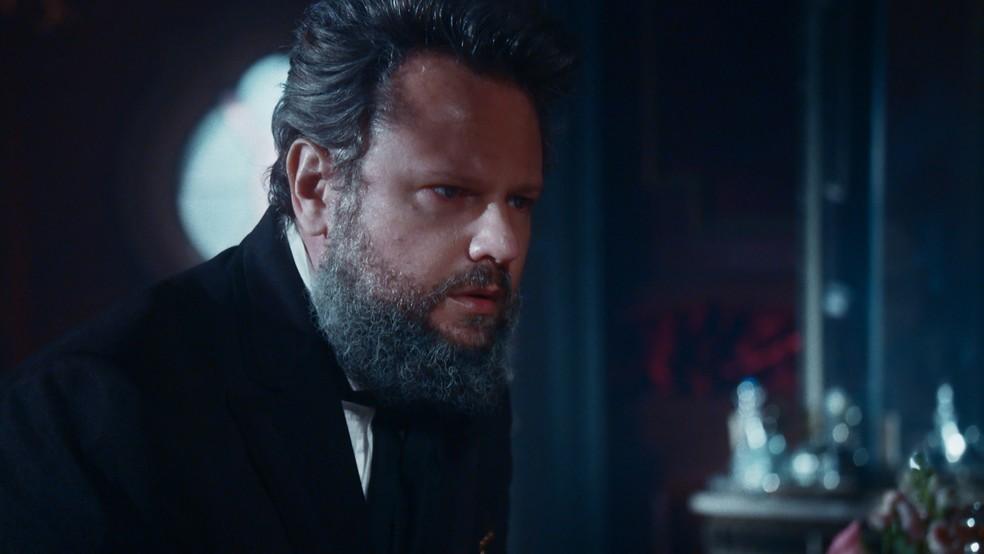 Dom Pedro II (Selton Mello) descobre que Luísa perdeu o bebê em 'Nos Tempos do Imperador' — Foto: Globo