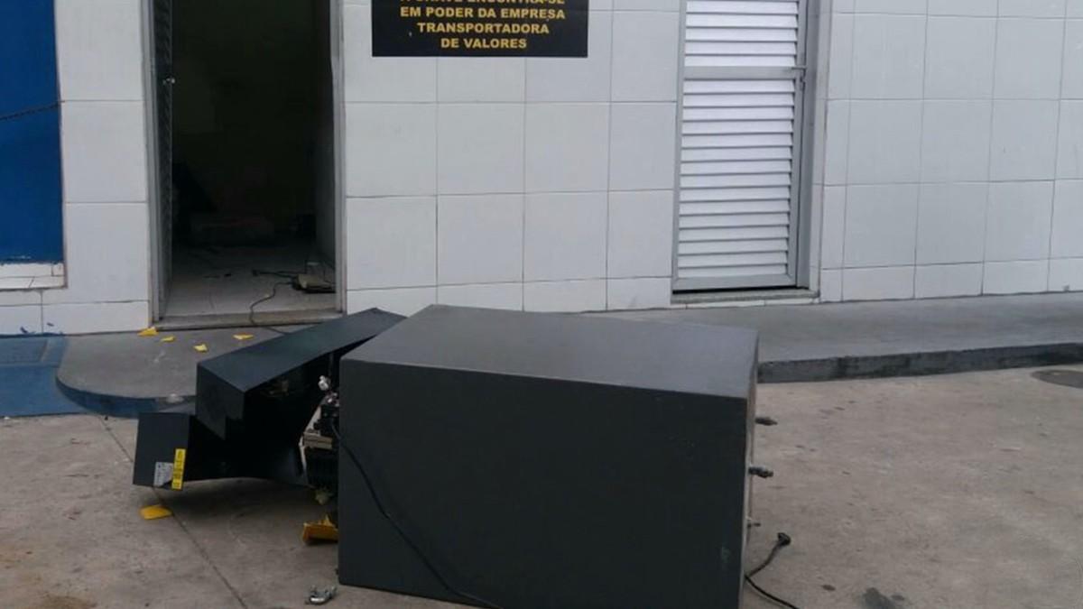 Dupla é presa suspeita de tentar roubar cofre de posto de combustíveis em Campina Grande