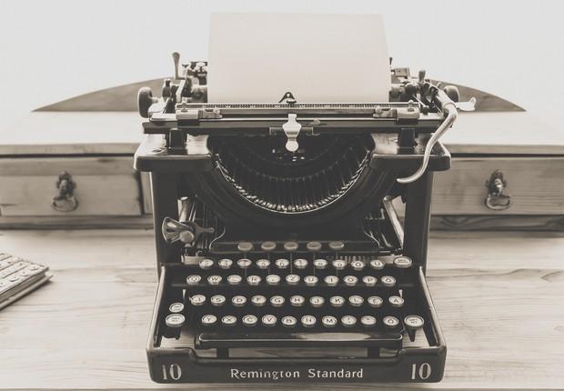 máquina de escrever, objetos antigos (Foto: Pexels)