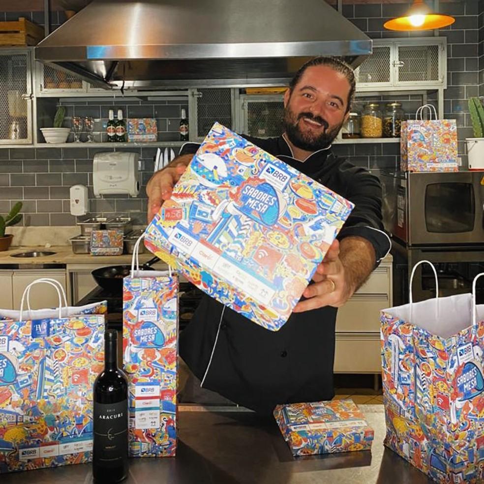Embalagens para entrega dos pratos do Festival Sabores na Mesa são inspiradas em obras de Athos Bulcão — Foto: Divulgação
