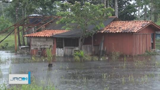 Cheia dos rios afeta produtores em Nova Mamoré, RO, e famílias precisam deixar casas