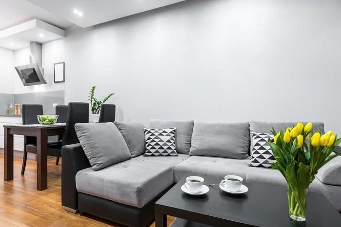 Cozinha junto à sala? Sim, é possível - e otimiza espaço! (Foto: ThinkStock)