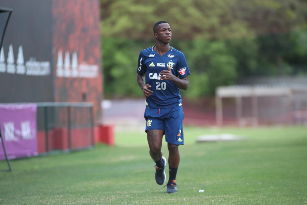 Vinicius Junior em treino do Flamengo nesta segunda-feira (Foto: Gilvan de Souza/Flamengo)