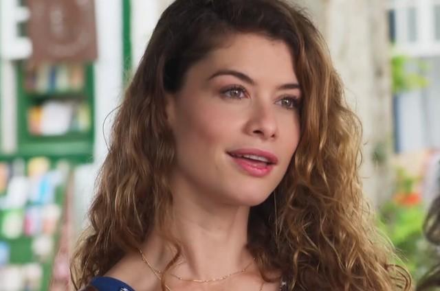 'Espelho da vida': Alinne Moraes é Isabel (Foto: TV Globo)