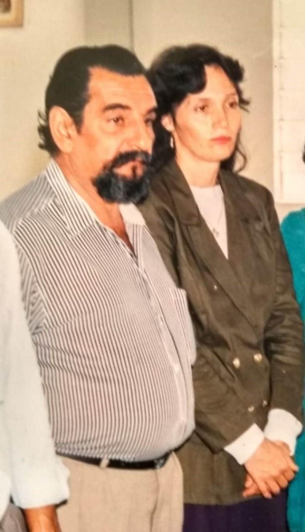 """Lúcio e Sueli: """"Por mais difícil que seja, quero que ele (Deus"""" deixe a minha esposa aqui, porque eu me encarrego de cuidar dela"""" — Foto: Arquivo Pessoal"""