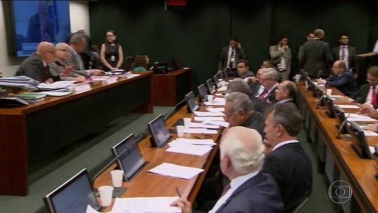 'Distritão' e fundo eleitoral vão a votação no plenário da Câmara