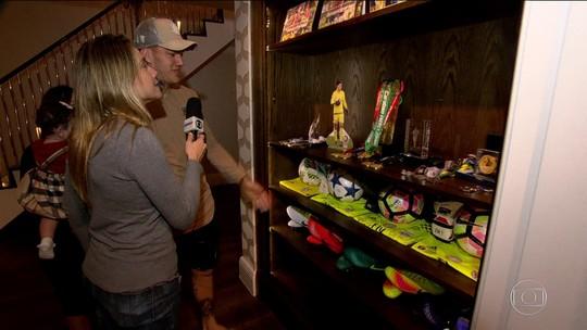 Ederson abre mansão e revela que faz tatuagem em casa
