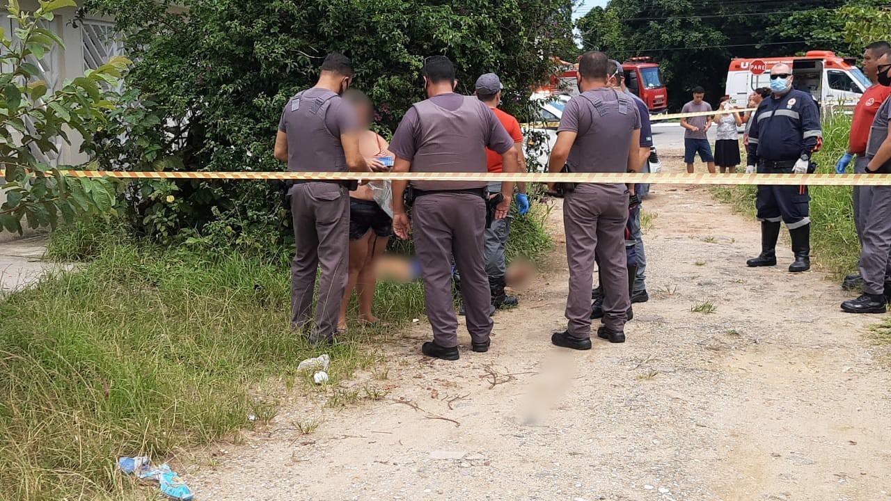 Homem morre após ser empurrado pela namorada durante briga por chave no litoral de SP