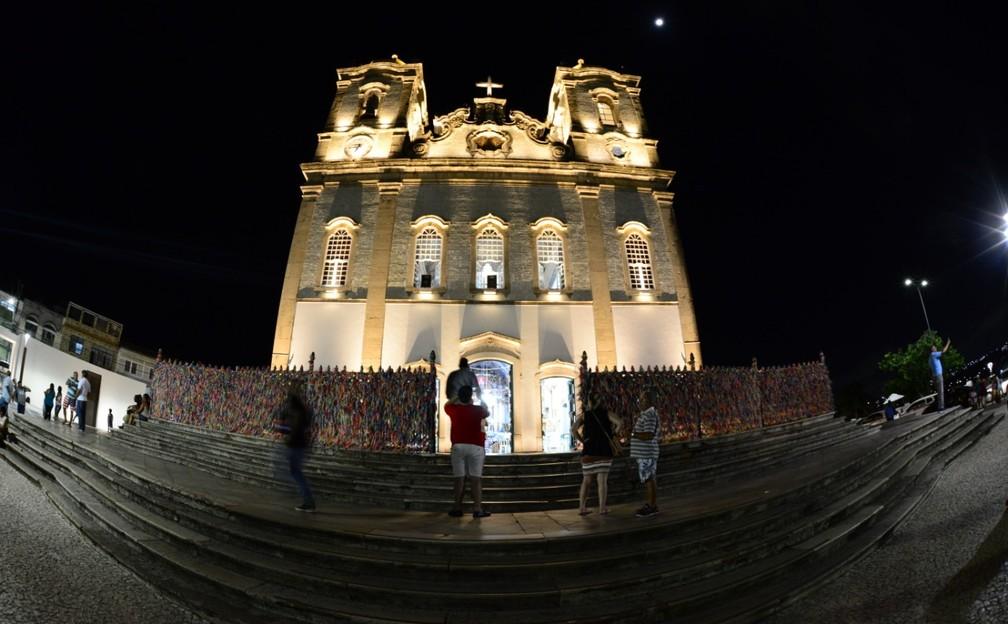 Entorno da Igreja do Bonfim, em Salvador, ganha nova iluminação cênica — Foto: Valter Pontes/Secom