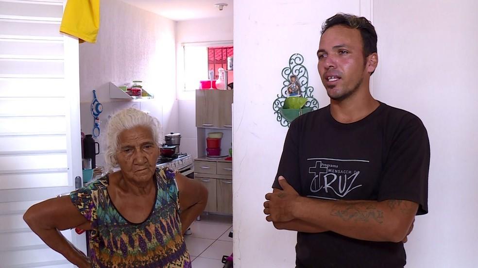 Parentes de Estéfany Eduarda Nere quem justiça pela morte da adolescente — Foto: Reprodução/ TV Grande Rio