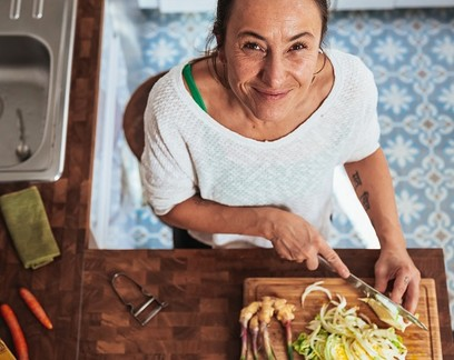 5 ideias de negócios para empreender na cozinha de casa