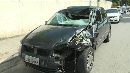 Motorista atropela pedestre na Régis Bittencourt, em Taboão da Serra; os dois morrem