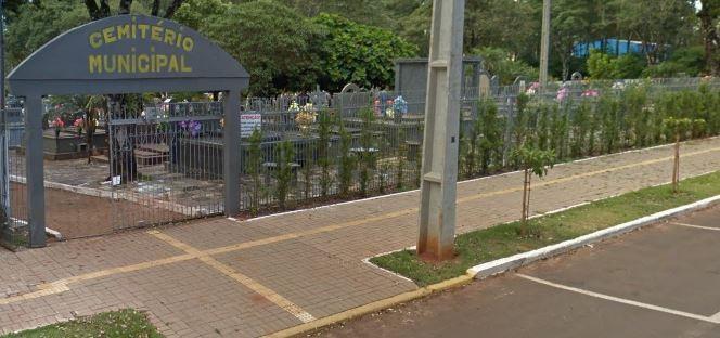 Justiça afasta coveiro de cemitério municipal de Terra Roxa acusado de corrupção e de xingar cadáveres