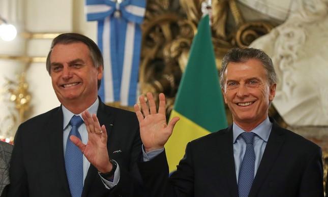 Presidente Mauricio Macri ao lado de Jair Bolsonaro na Argentina