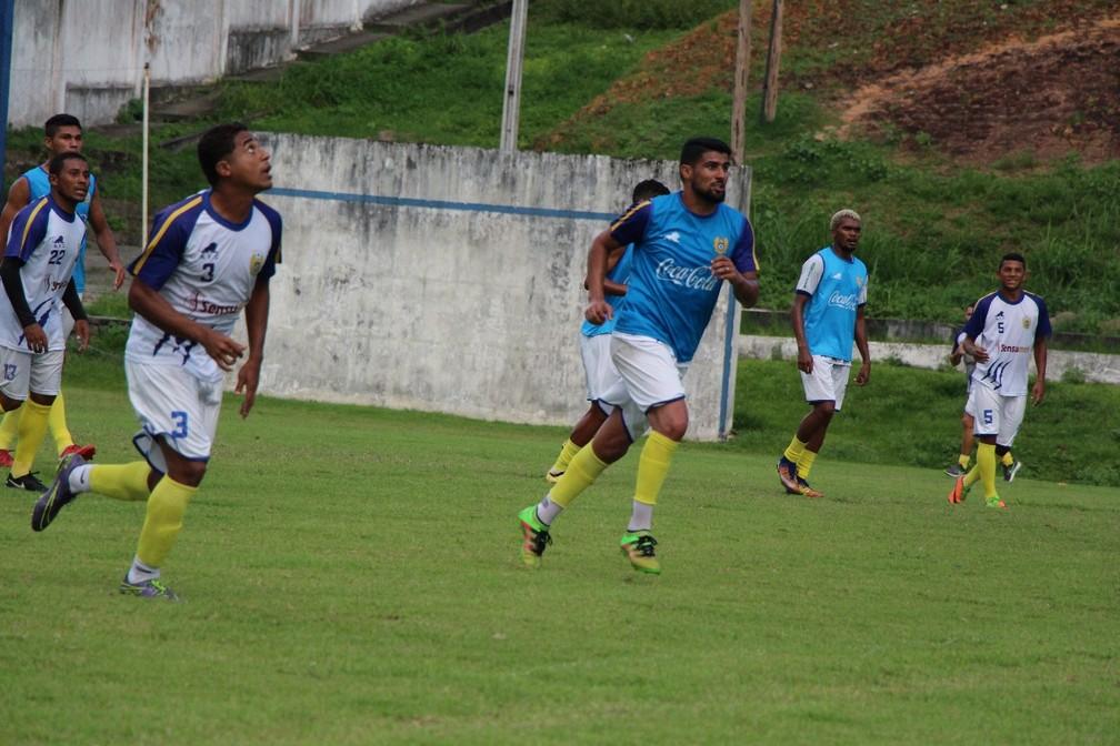 Jailton treinou entre os titulares e deve ser o substituto de Fininho no duelo contra o Real Ariquemes (Foto: Ennas Barreto/Nacional)