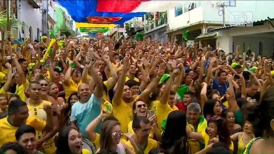 VÍDEO: Do sofá às ruas, grito de gol faz país tremer de Norte a Sul