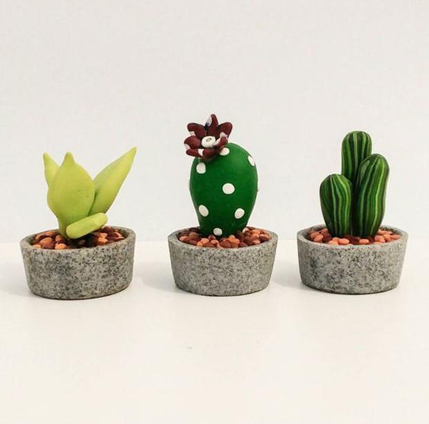 Lembrancinhas com plantas: Biscuit é uma ótima alternativa para presentear (Foto: Pinterest/Reprodução)