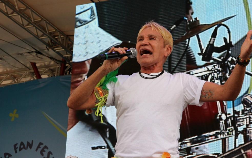Zezinho Corrêa se apresentou na Fifa Fan Fest — Foto: Marcos Dantas/G1 AM