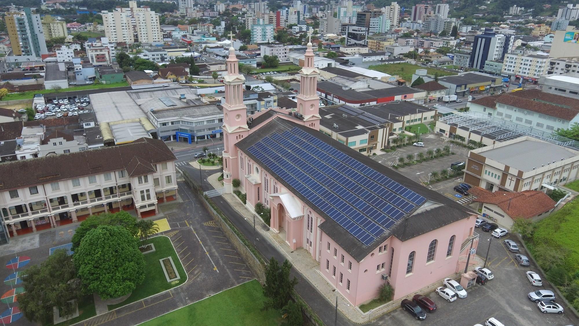 Avanço da tecnologia permite maior acesso a energia solar